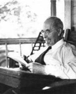 Momba ny mpanoratra, Harold W. Percival